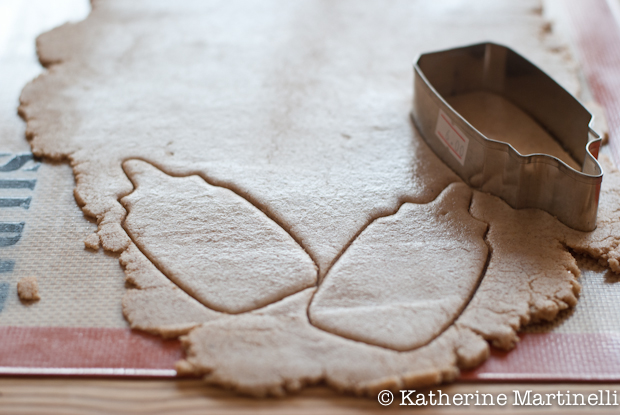 (Almost) Sugar Free Sugar Cookies {KatherineMartinelli.com}